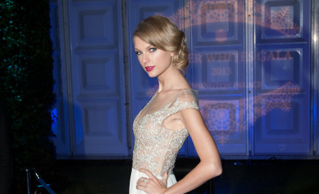 Taylor Swift: The Most Charitable Celebrity of 2013!