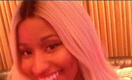 Nicki Minaj, All Smiles