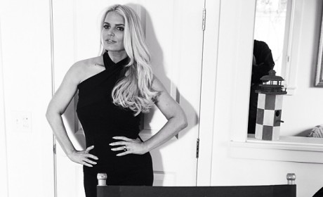 Jessica Simpson Flaunts Post-Baby Body In Little Black Dress: See the Sexy Pic!