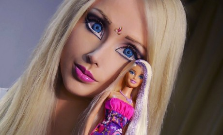 23 Valeria Lukyanova Photos: Human Barbie as You Wish You Could Unsee Her