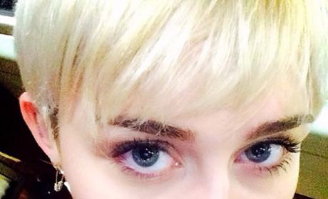 Miley Cyrus Lip Tattoo