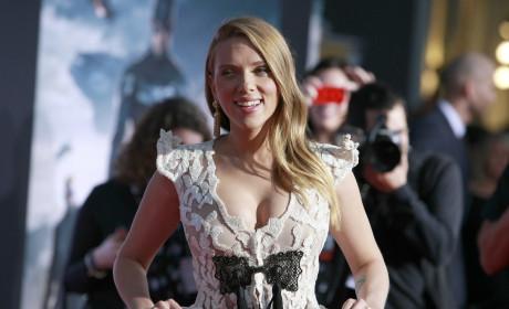 Scarlett Johansson Movie Premiere Photo