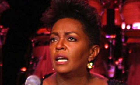 Anita Baker Arrest Warrant Issued; Singer Alleges Conspiracy By Contractor, Judge
