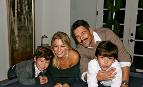 "LeAnn Rimes Says Brandi Glanville's Kids Call Her ""Mom,"" Twitter Feud About to ERUPT"