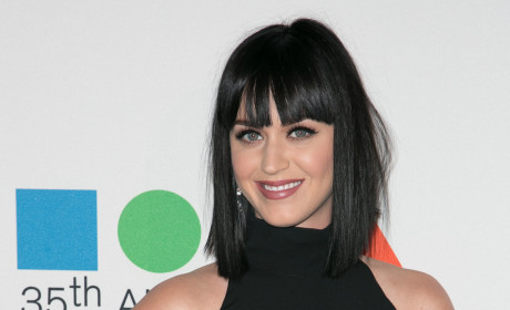 Katy Perry: Planning to Diss Taylor Swift During Super Bowl Halftime Show?