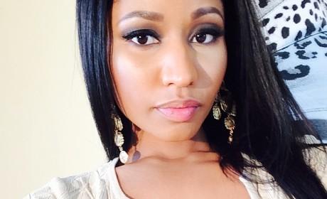 Nicki Minaj Cleavage Photo