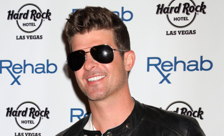 "Robin Thicke Admits to Alcohol and Pain Pill Addictions, Claims He Didn't Write ""Blurred Lines"" in Bizarre Deposition"
