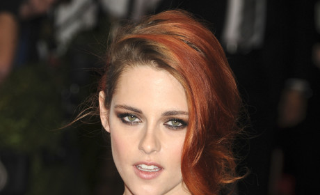 Kristen Stewart: PISSED about Robert Pattinson Engagement, Source Claims