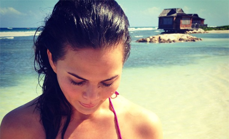 Celebrity Bikini Photos: The Hottest Bodies of Summer!