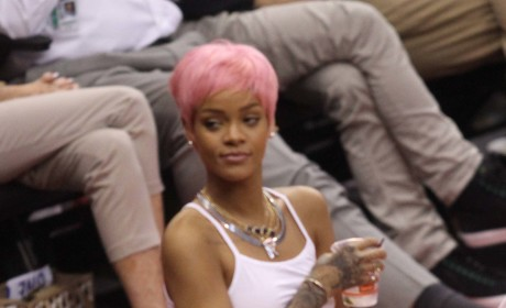 Rihanna Hot Courtside Photo