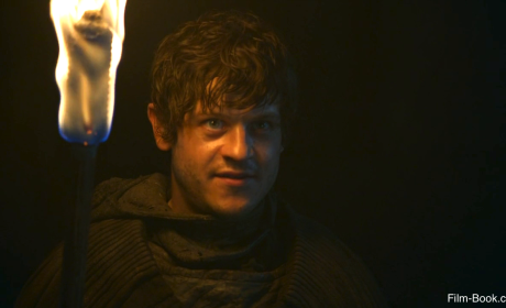 """Alfie Allen: Ramsay Bolton Tortures Another Character on Season 5 of Game of Thrones and It's """"Hard to Watch"""""""
