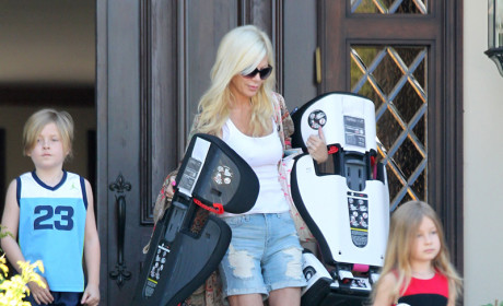 Tori Spelling and Dean McDermott: Staying Together For the Kids?