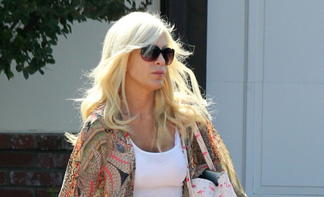 Tori Spelling Steps Out
