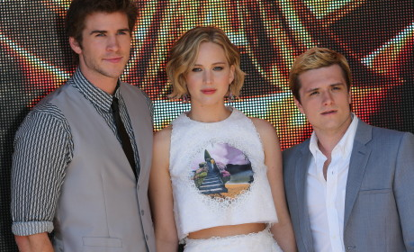 Mockingjay Cast Poses in Cannes, Is Very Attractive