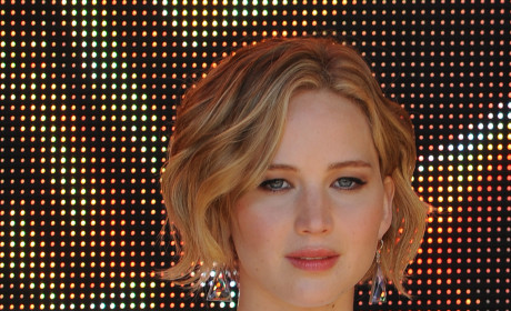 "Chris Martin: ""Very Supportive"" of Jennifer Lawrence Throughout Nude Photo Scandal, Source Says"