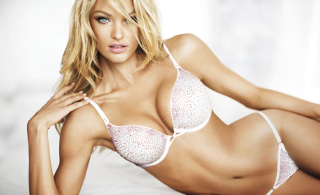 Candice Swanepoel: Hot!