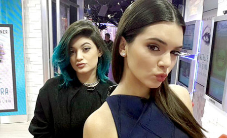 Kendall and Kylie GMA Selfie