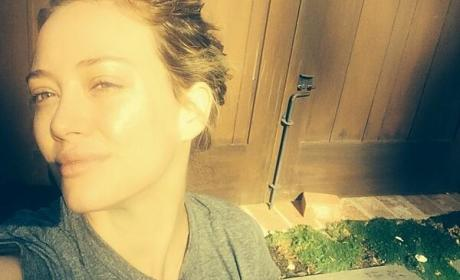Hilary Duff No Makeup Selfie: I Woke Up Like This!
