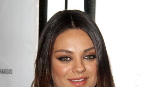 Mila Kunis: Pregnant on the Red Carpet