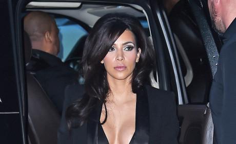 Kim Kardashian: Boobs Exposed!