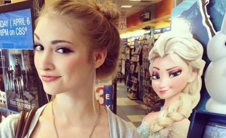 """Anna Faith Carlson, """"Frozen"""" Elsa Look-Alike, SMOLDERS on Instagram: See the Photos!"""