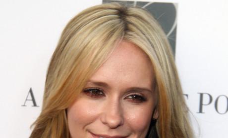 How did Jennifer Love Hewitt fare on the Criminal Minds premiere?