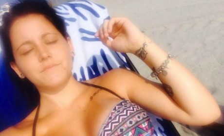 Jenelle Evans Posts Bikini Photo One Week After Son's Birth, Poses With Jace