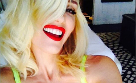 Gwen Stefani Lingerie Selfie: No Doubt She's Hotter Than Ever!