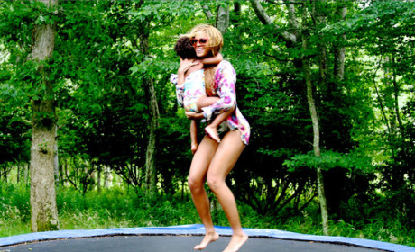 Blue Ivy and Beyonce: Trampoline!