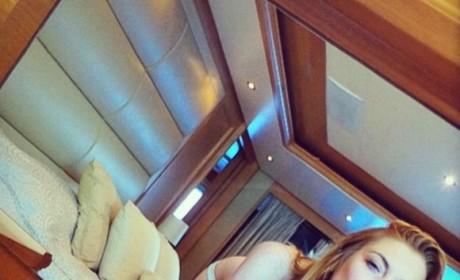 Lindsay Lohan Bikini Selfie Highlights Her Best Angles, Boobs