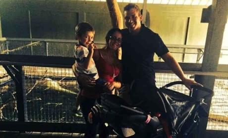 Jenelle Evans Shows Off Post-Baby Body, Alligator Theme Park
