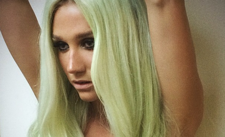 Kesha with Green Hair