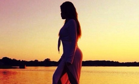 Khloe Kardashian Sunset Photo