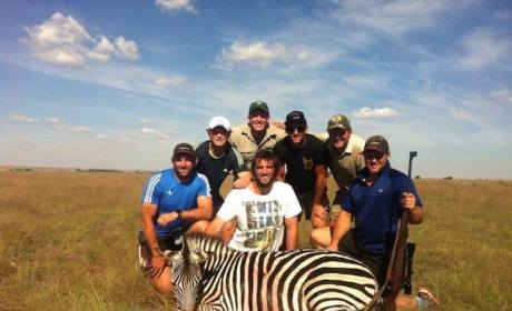 New Zealand Rugby Team Poses with Hunting Prey, Stirs Online Debate