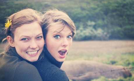 Karlie Kloss and Taylor Swift Photo