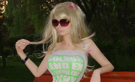Lolita Richi: I'm the Only REAL Human Barbie!