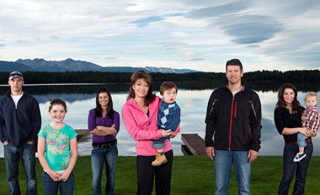 Sarah Palin and Her ENTIRE FAMILY Involved in MASSIVE Brawl in Alaska!