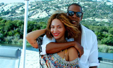 Beyonce Cuddles with Jay Z, Flaunts Banging Bikini Body
