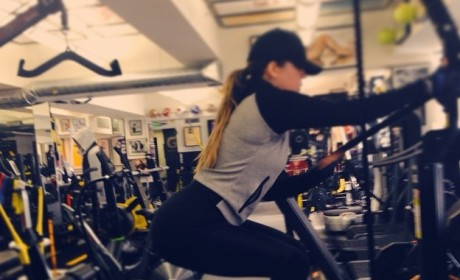 Khloe Kardashian Has Someone Take Pictures of Her Butt While She Works Out