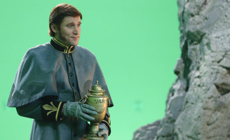 Tyler Jacob Moore as Hans on Once Upon a Time: First Look!