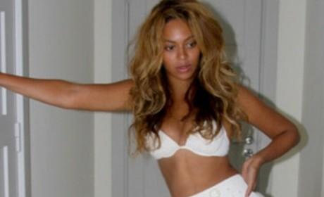 Beyonce in a Bikini: No Photoshop!