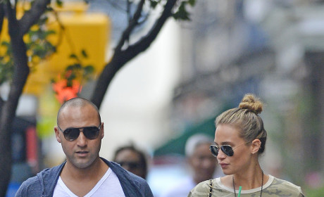 Derek Jeter and Hannah Davis Photo