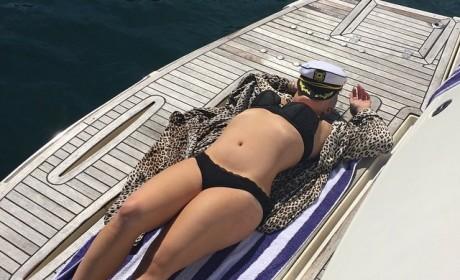 Kelly Osbourne Bikini Pic