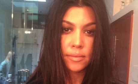 Kourtney Kardashian: Makeup-Free and Pregnant on Instagram!