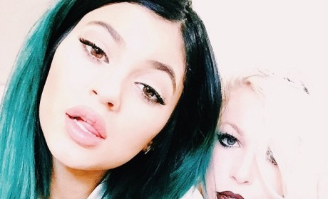 Kylie Jenner: Big Lips and Blue Hair on Instagram!