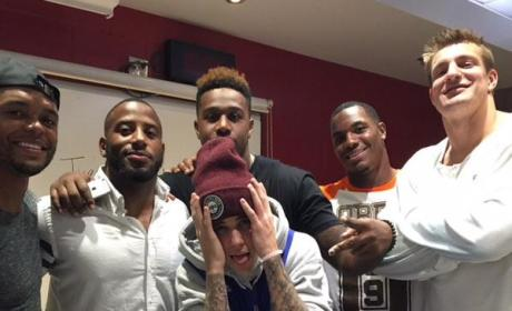 Justin Bieber Hangs with Patriots Players, Ends All Hopes for New England Super Bowl Title