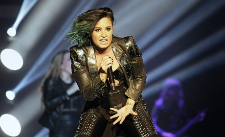 Demi Lovato Rocks Out