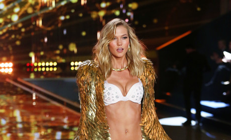 Who looked hottest at the Victoria's Secret Fashion Show?