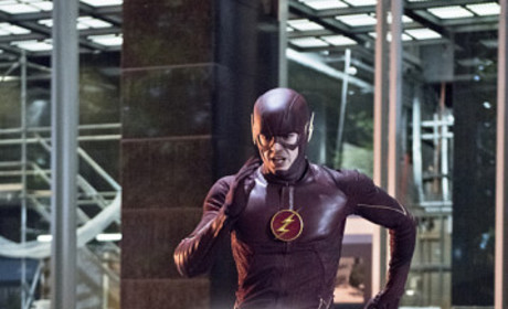 The Flash Season 1 Episode 10 Recap: Hot & Cold
