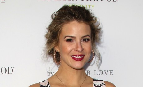 Linsey Godfrey Hit By Car; The Bold and the Beautiful Star Suffers Two Broken Legs